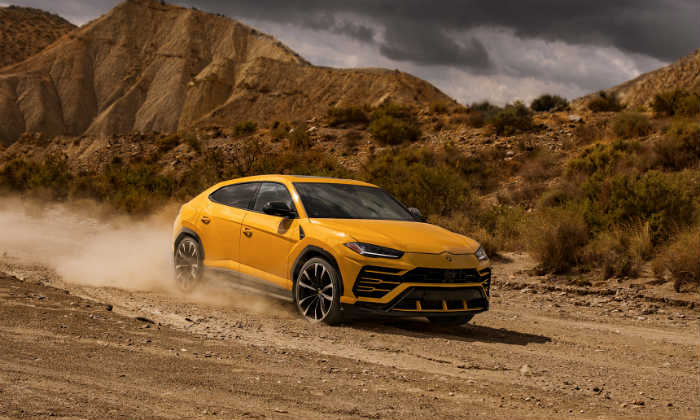 world fastest suv lamborghini urus launched in india at rupees 3 crore. Black Bedroom Furniture Sets. Home Design Ideas